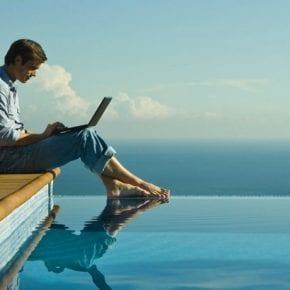 Этот сайт позволяет найти работу на год в любой точке мира!