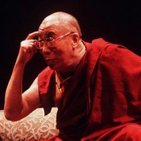 Далай-Лама о массивном промывании мозга людей