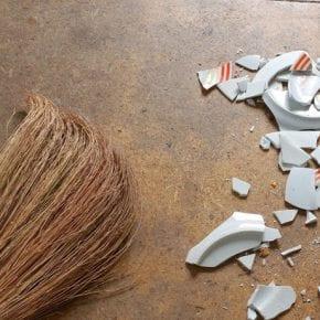 Полезные приметы: как прогнать несчастье и привлечь благополучие в дом