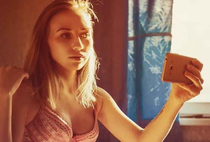 Ученым удалось обнаружить связь между селфи и нарциссизмом, а также другими психическими расстройствами