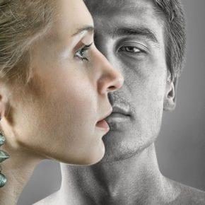 Эти 4 признака говорят о том, что твой бывший все еще любит тебя, так что будь осторожна