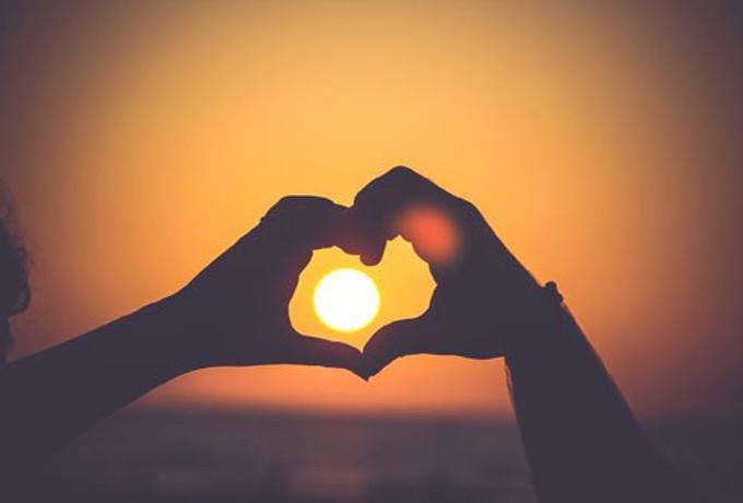 20 утренних мантр, позволяющих начать день с любви к людям (вместо того, чтобы смотреть на них волком или игнорировать)