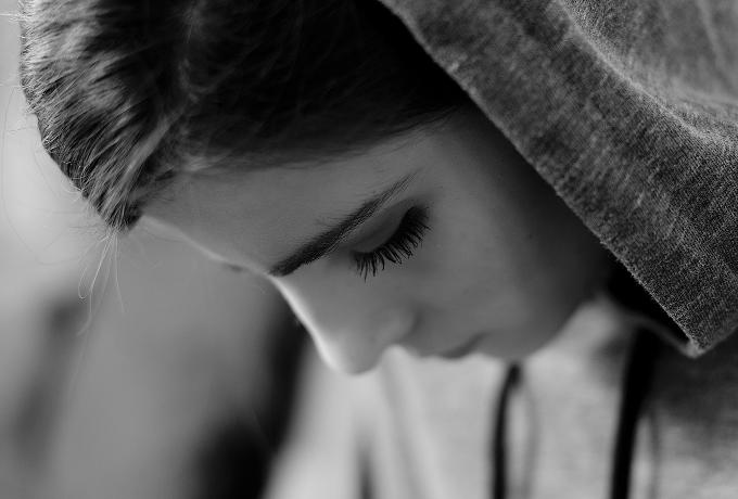 Эксперты рассказывают о 5 способах справиться с одиночеством и депрессией