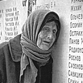 «От неизвестных и до знаменитых, cразить которых годы не вольны» — трогательное стихотворение Расула Гамзатова