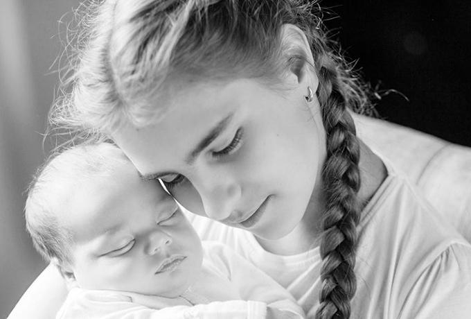 Ученые объяснили, почему сестра в нашей жизни – это настоящий подарок судьбы