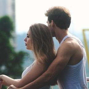 17 вещей, которые стоит ожидать от отношений с девушкой, привыкшей к одиночеству
