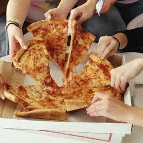 Забавное исследование показало, что пицца мотивирует сотрудников лучше, чем деньги