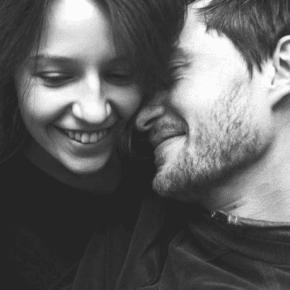 Всем мужчин, которым посчастливилось встретить хорошую женщину: любите ее по-настоящему